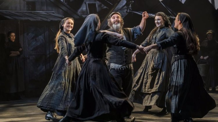 """EM Acoustics raises the roof with Fiddler in London's West End"""